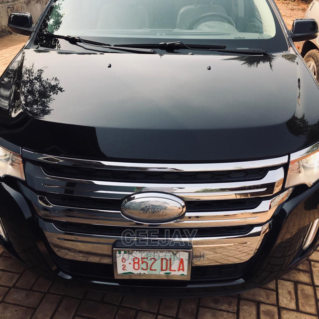 Archive: Ford Edge 2014 Black