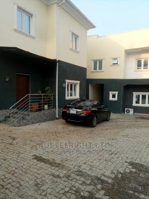 3bdrm Block of Flats in Durumi for Sale   Houses & Apartments For Sale for sale in Abuja (FCT) State, Durumi