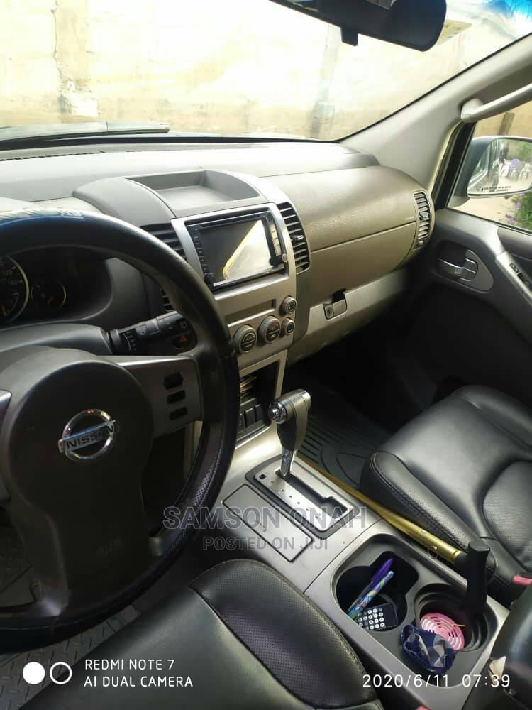 Archive: Nissan Pathfinder 2008 SE Black