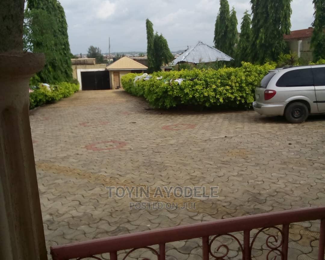 4bdrm Bungalow in Dada Estate, Osogbo for Sale