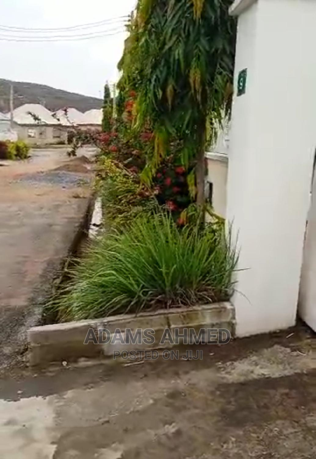 Furnished 2bdrm Bungalow in Sunday Adewusi, Dei-Dei for Sale | Houses & Apartments For Sale for sale in Dei-Dei, Abuja (FCT) State, Nigeria