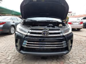 Toyota Highlander 2017 XLE 4x2 V6 (3.5L 6cyl 8A) Black | Cars for sale in Lagos State, Amuwo-Odofin