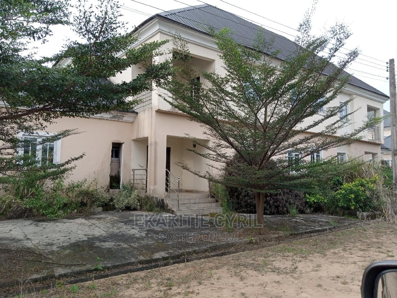 5bdrm Duplex in Linto Royal Garden, Umuahia for Sale