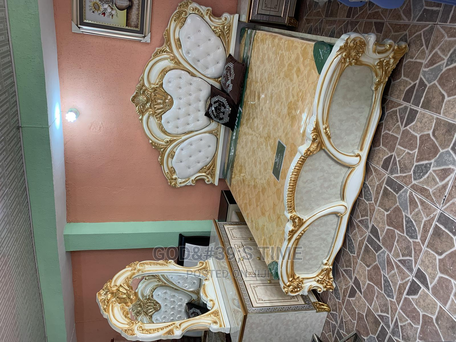 Classic Set of Royal Bed