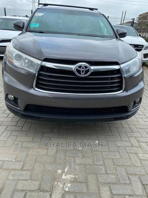 Toyota Highlander 2016 XLE V6 4x4 (3.5L 6cyl 6A) Gray   Cars for sale in Lagos State, Lekki