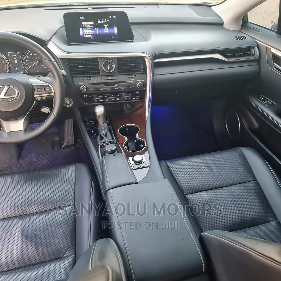 Archive: Lexus RX 2017 350 FWD Pearl