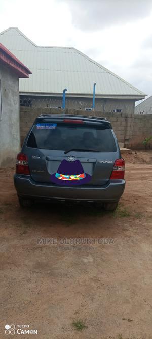 Toyota Highlander 2003 Gray   Cars for sale in Abuja (FCT) State, Karu