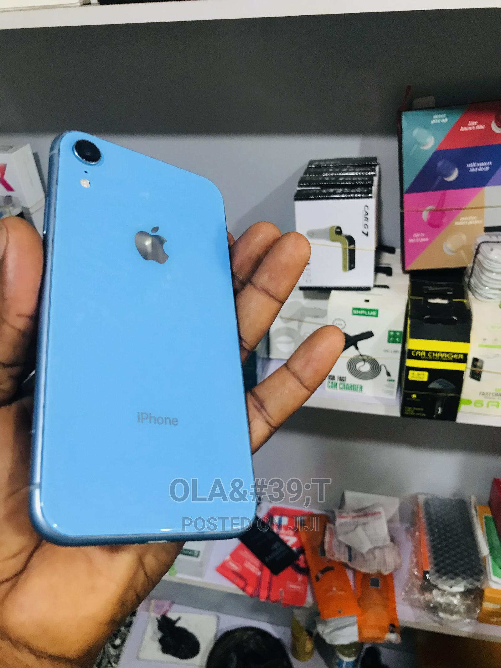 Archive: Apple iPhone XR 64 GB Blue
