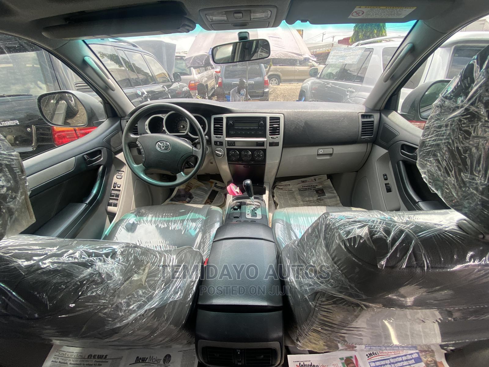 Archive: Toyota 4-Runner 2005 Limited V6 4x4 Gray