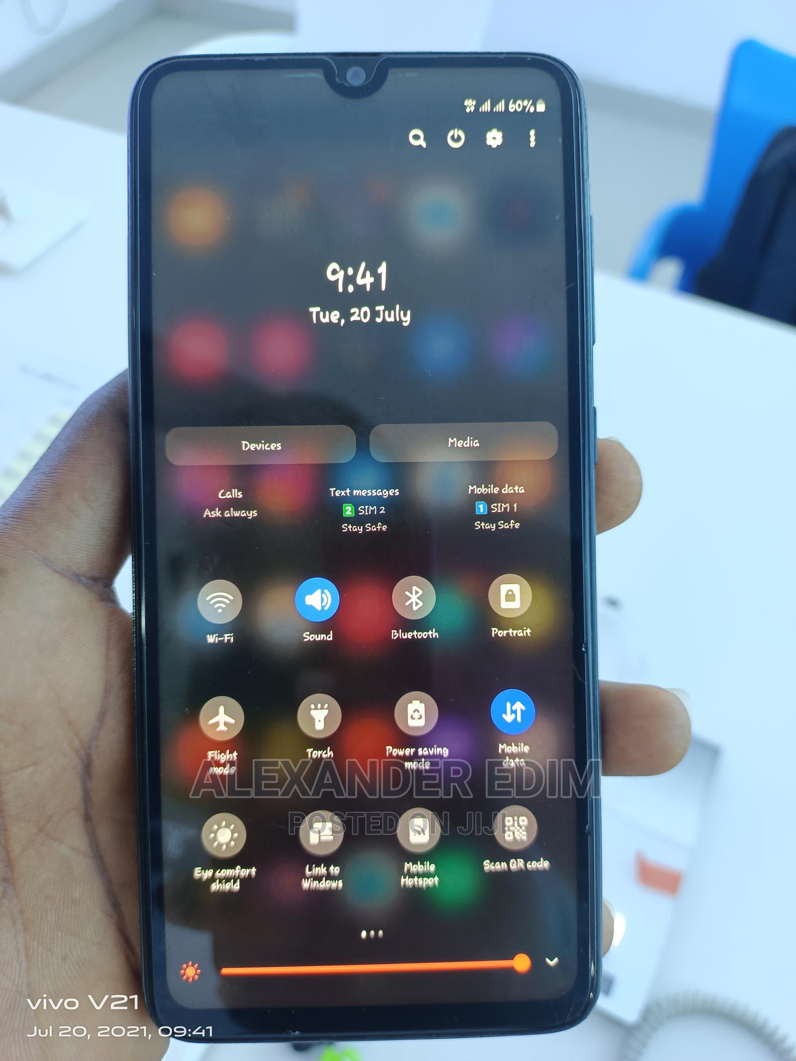 Archive: Samsung Galaxy A70 128 GB Black