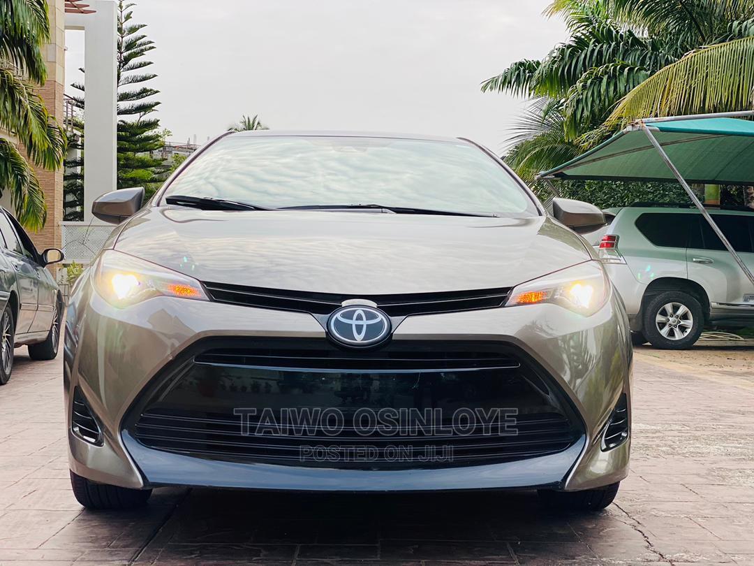 Archive: Toyota Corolla 2018 Gold