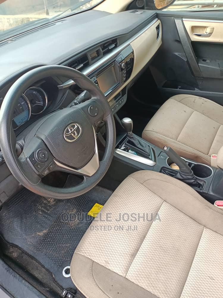 Archive: Toyota Corolla 2014 Brown