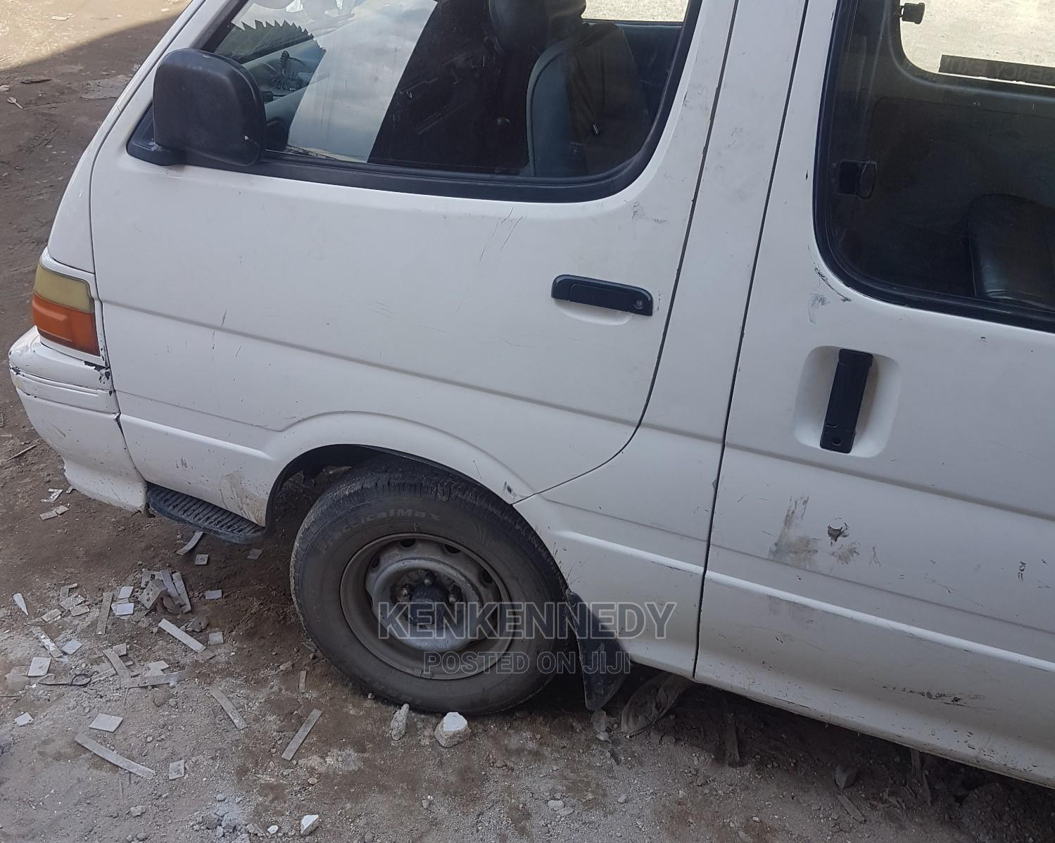 Toyota Hiace Bus Manual Drive | Buses & Microbuses for sale in Ojo, Lagos State, Nigeria