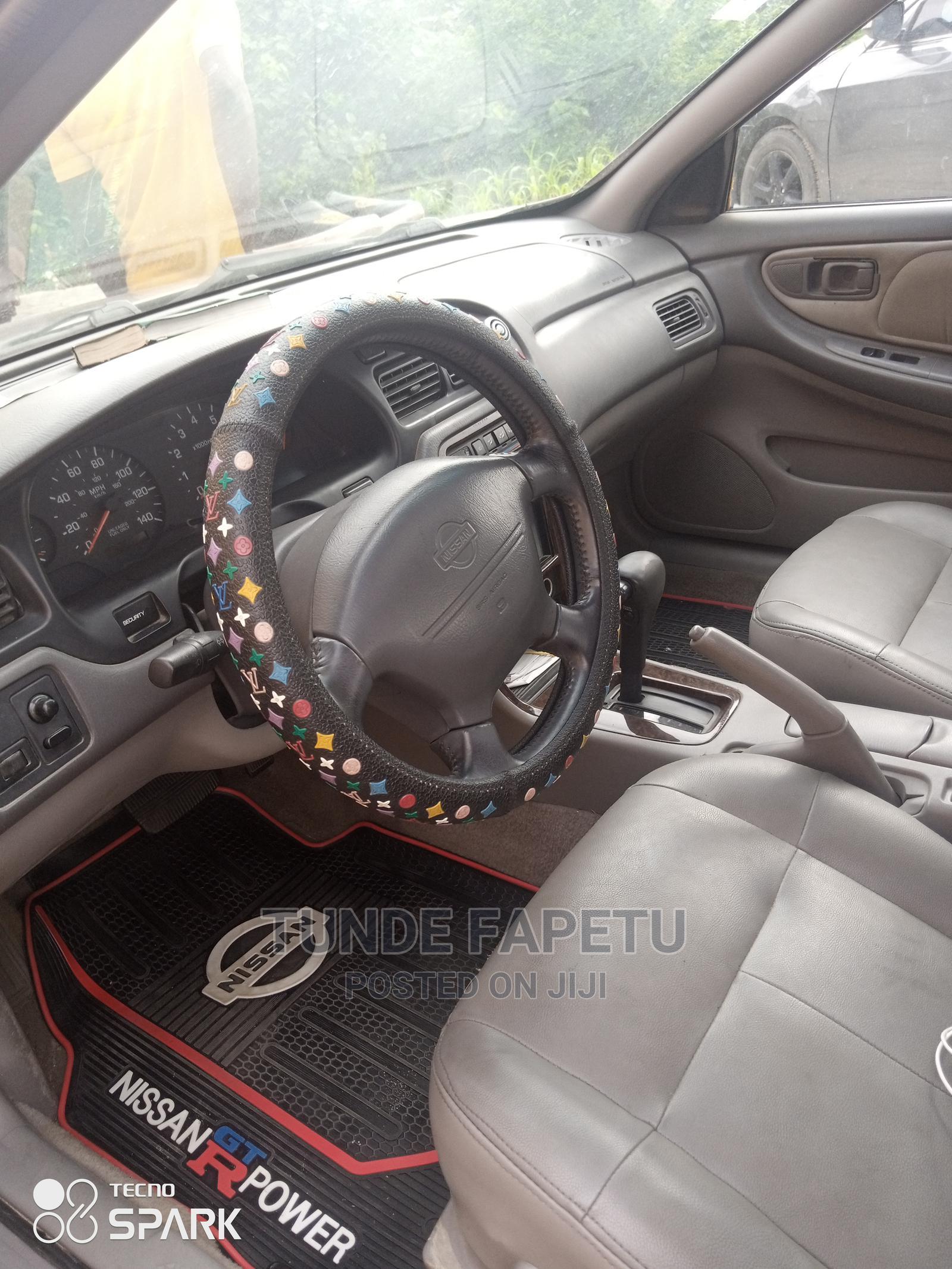 Archive: Nissan Altima 2000 Gray