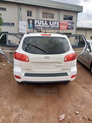 Hyundai Santa Fe 2009 White   Cars for sale in Lagos State, Ikeja