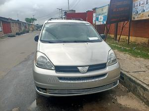 Toyota Sienna 2005 LE AWD Silver | Cars for sale in Lagos State, Surulere