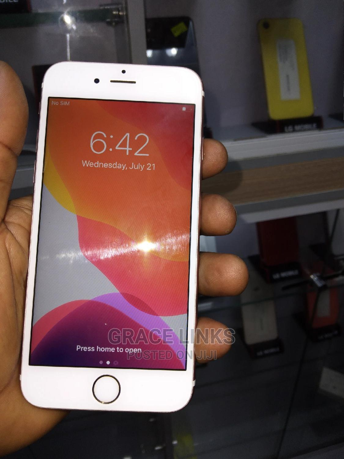 Archive: Apple iPhone 6s 32 GB Rose Gold