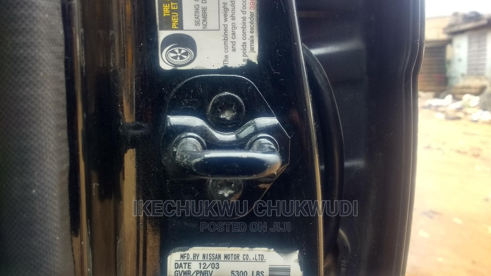 Archive: Nissan Pathfinder 2004 Black