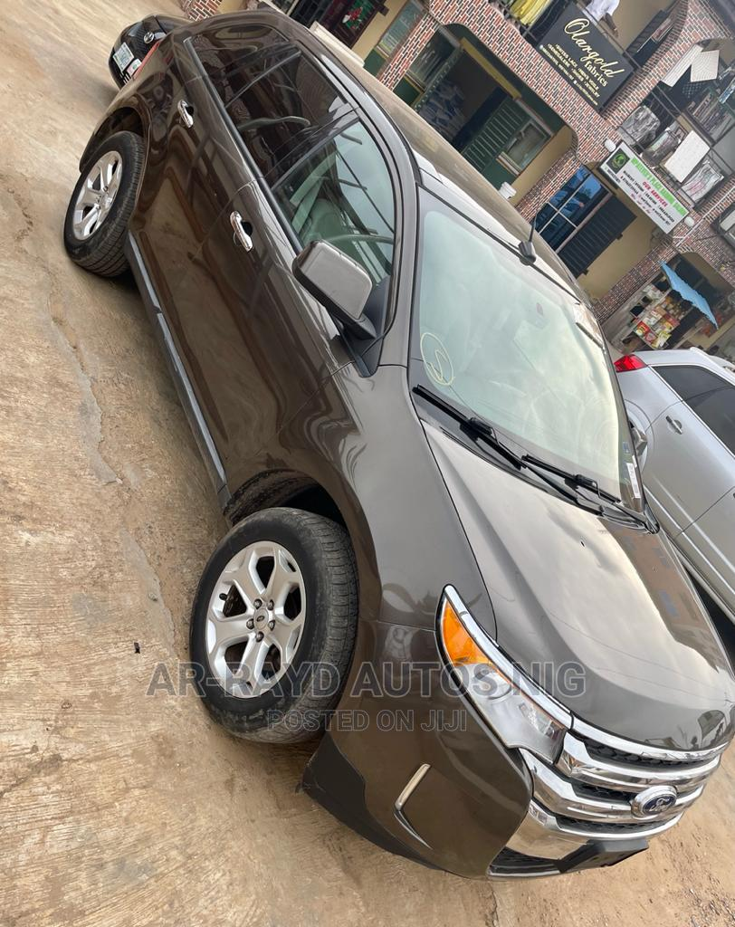 Archive: Ford Edge 2011 SE 4dr FWD (3.5L 6cyl 6A) Brown