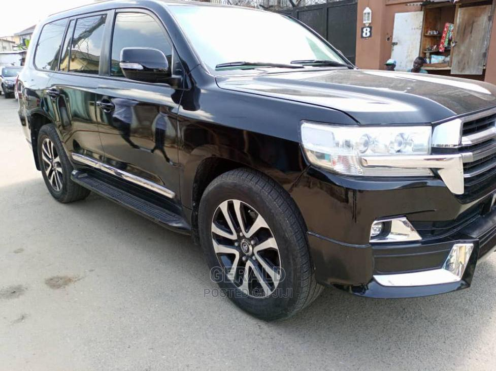Archive: Toyota Land Cruiser 2020 5.7 V8 VXR Black