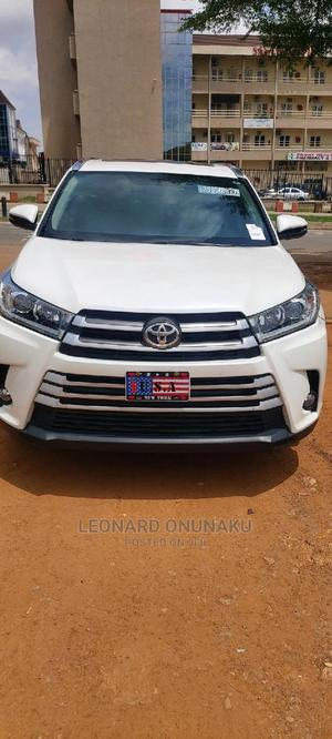 Toyota Highlander 2017 White   Cars for sale in Abuja (FCT) State, Gwarinpa