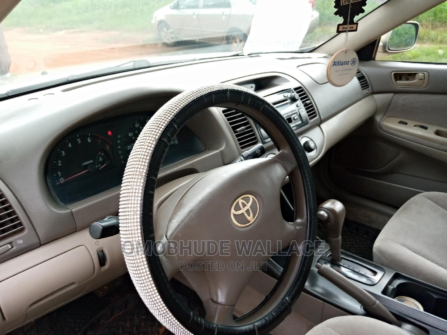 Archive: Toyota Camry 2003 Gold