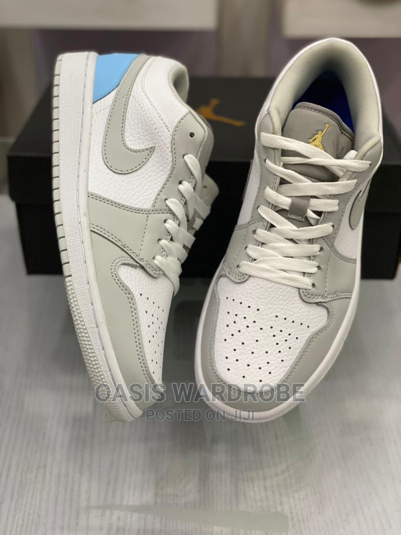 Nike Air Jordan 1 Mid Low Sneakers