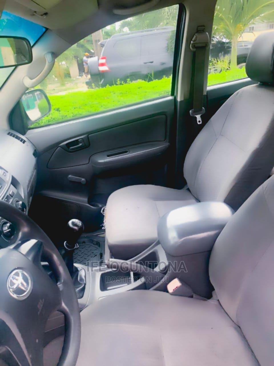 Toyota Hilux 2013 White | Cars for sale in Lekki, Lagos State, Nigeria