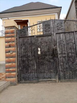 Furnished 4bdrm Duplex in Divine Estate, Isolo for Sale   Houses & Apartments For Sale for sale in Lagos State, Isolo