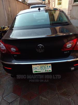 Volkswagen Passat 2010 2.0 Sedan Black | Cars for sale in Lagos State, Surulere
