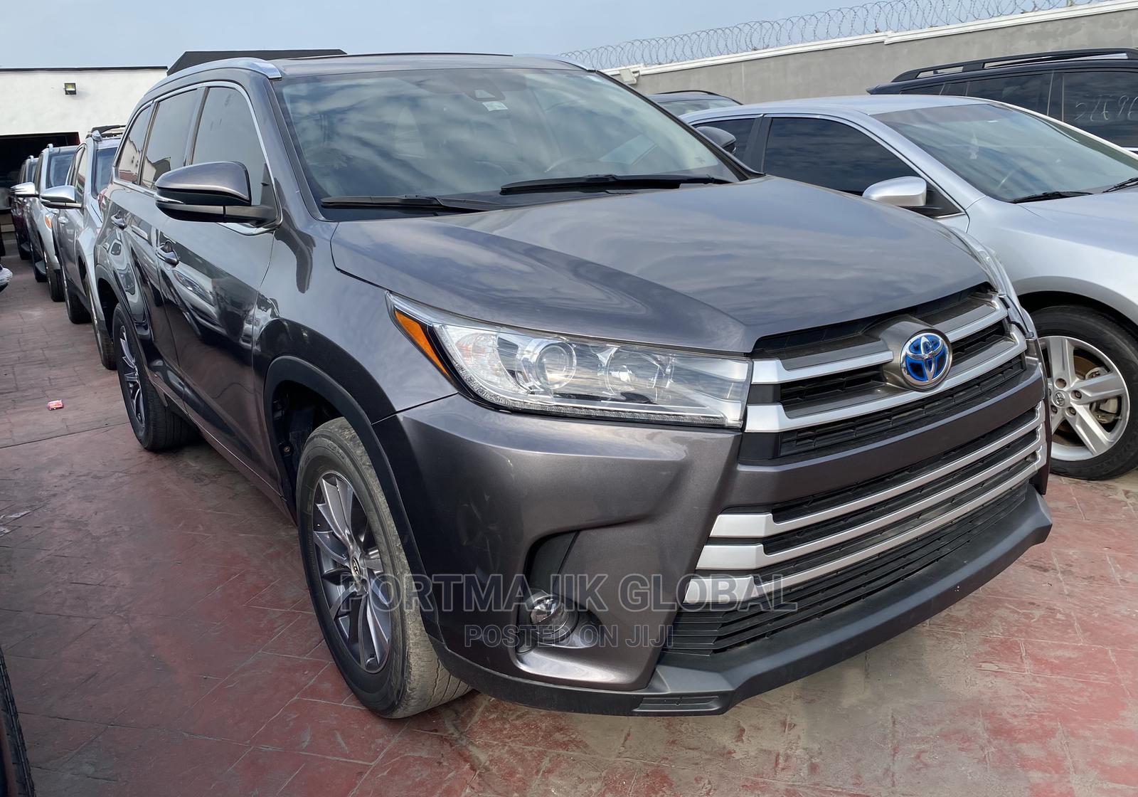 Toyota Highlander 2018 Gray   Cars for sale in Amuwo-Odofin, Lagos State, Nigeria