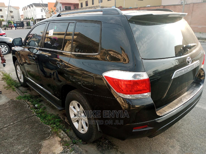 Archive: Toyota Highlander 2013 Limited 3.5l 4WD Black