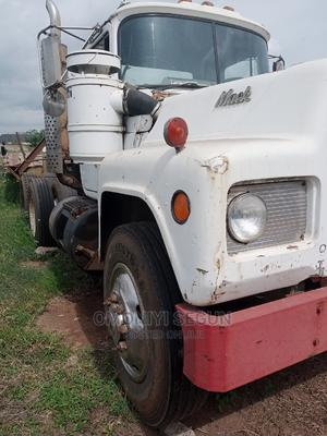 R Model MACK Tractor Head With Lowbed for Sale   Trucks & Trailers for sale in Ondo State, Akure