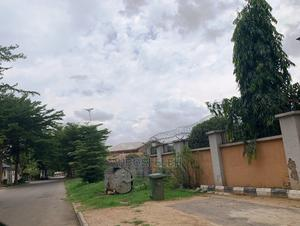 3bdrm Block of Flats in Utako for Sale | Houses & Apartments For Sale for sale in Abuja (FCT) State, Utako