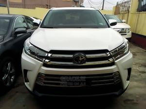 Toyota Highlander 2018 XLE 4x2 V6 (3.5L 6cyl 8A) White | Cars for sale in Lagos State, Ikeja