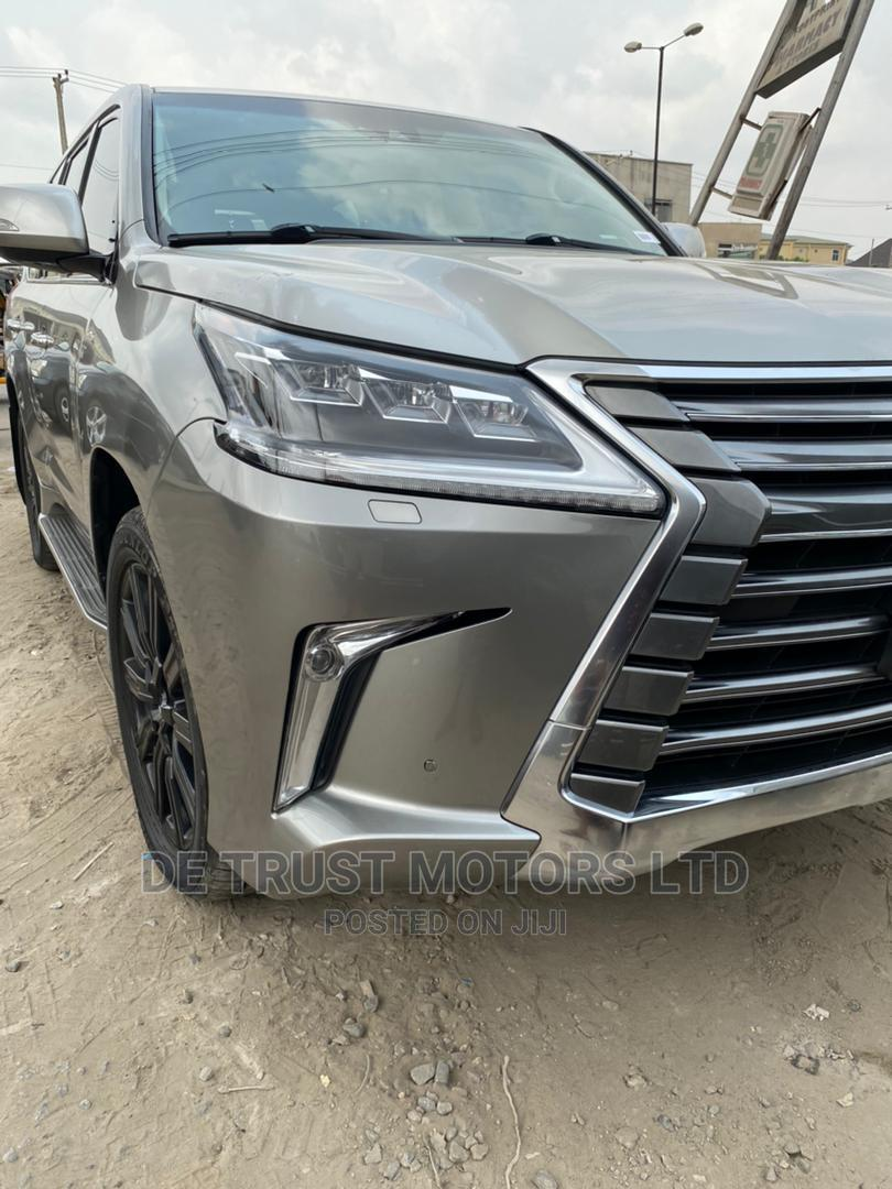 Lexus LX 2016 570 (5 Seats) AWD Gray