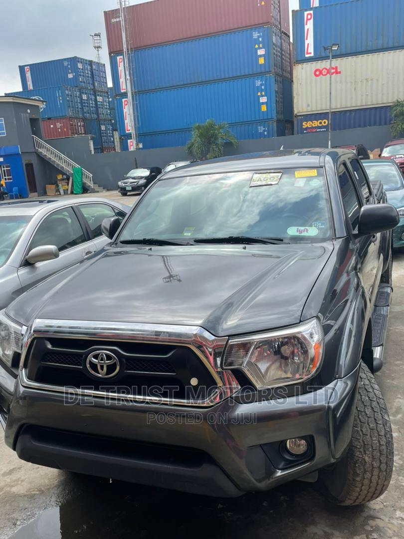 Toyota Tacoma 2015 Gray