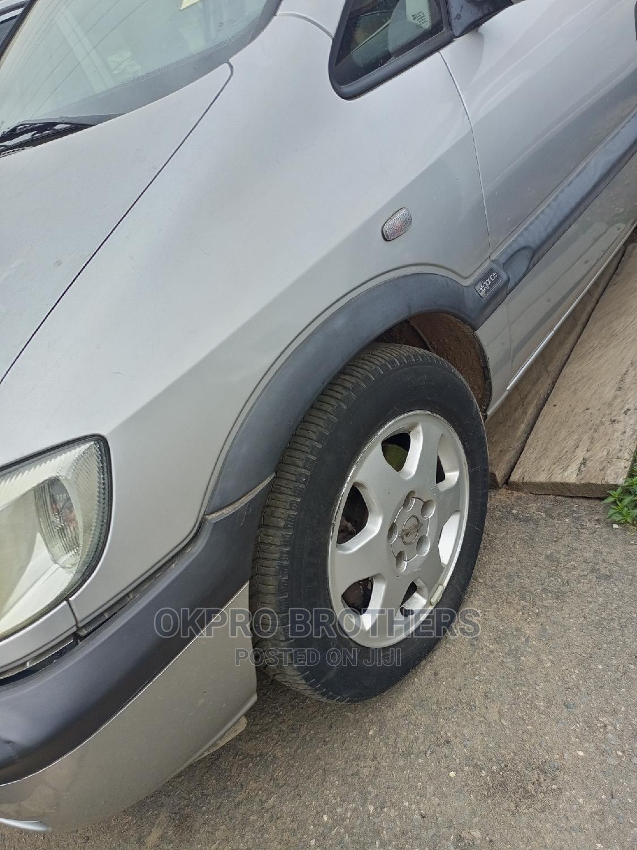Archive: Opel Zafira 2004 1.6 Silver