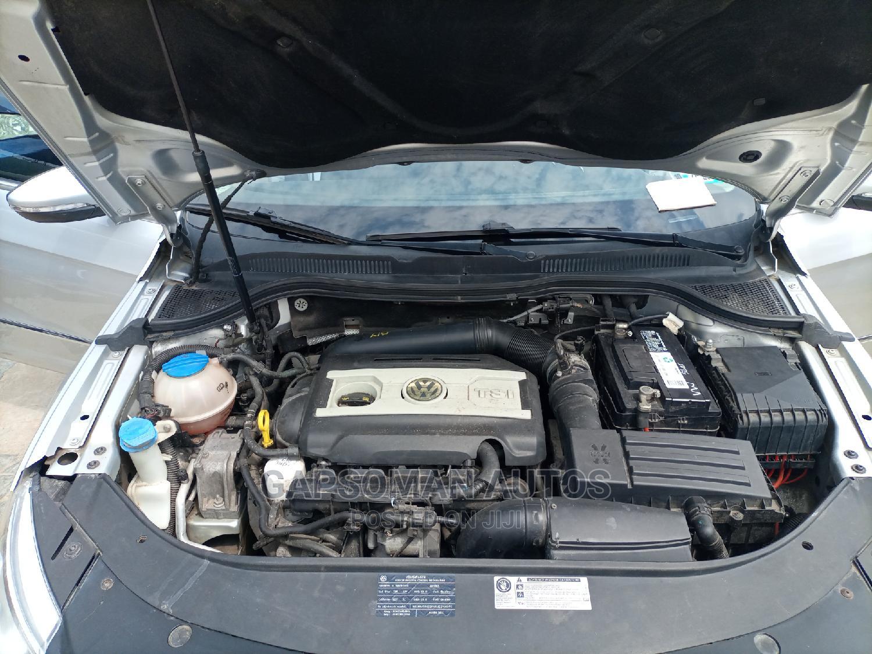 Archive: Volkswagen Passat 2011 2.0 PZEV Sedan Silver