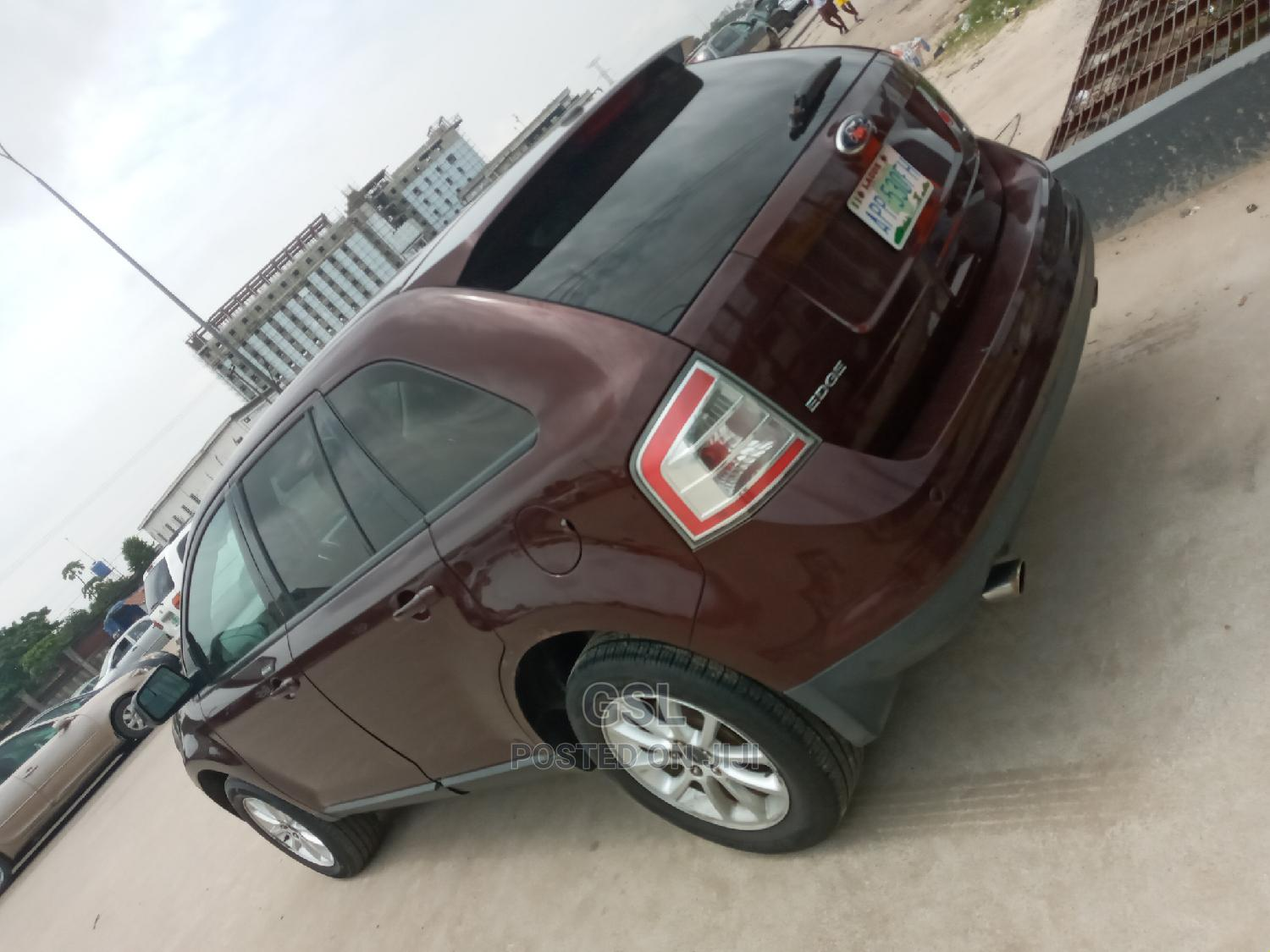 Archive: Ford Edge 2010 Red