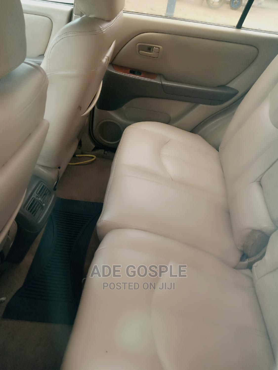 Lexus RX 2000 Gold   Cars for sale in Ikwerre, Rivers State, Nigeria