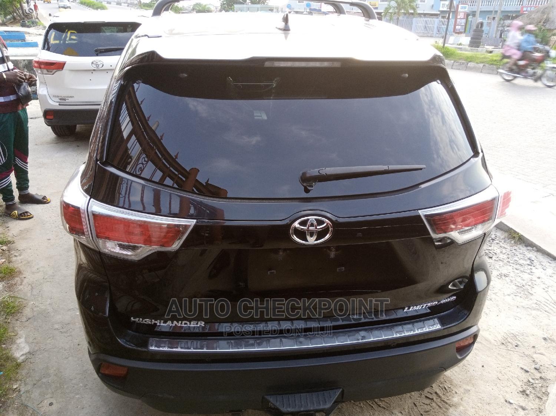 Toyota Highlander 2017 Black | Cars for sale in Amuwo-Odofin, Lagos State, Nigeria