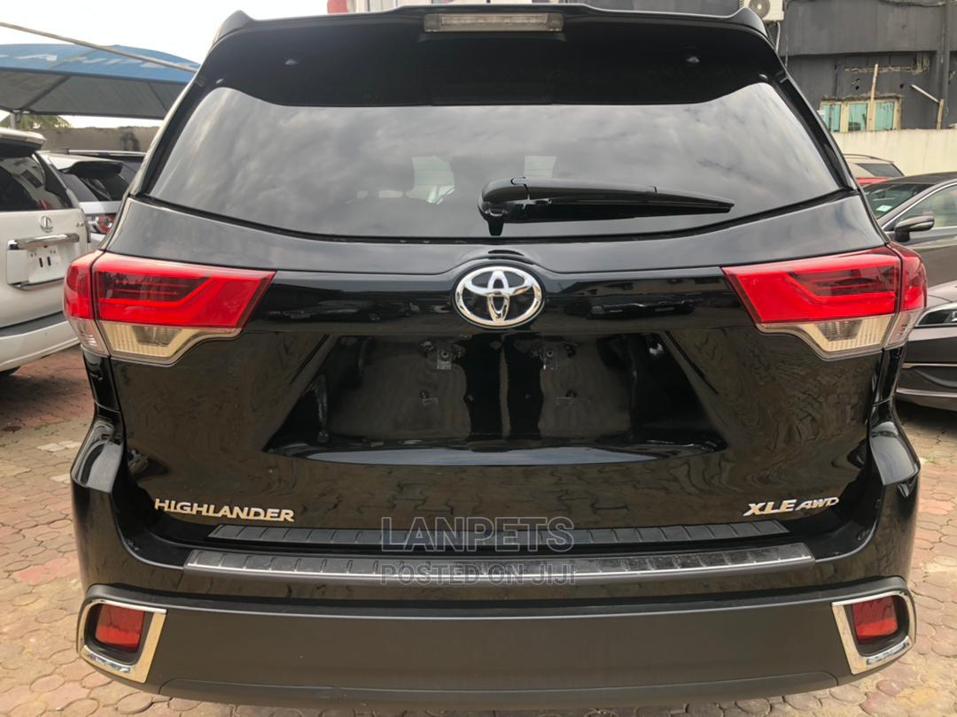Archive: Toyota Highlander 2020 Black