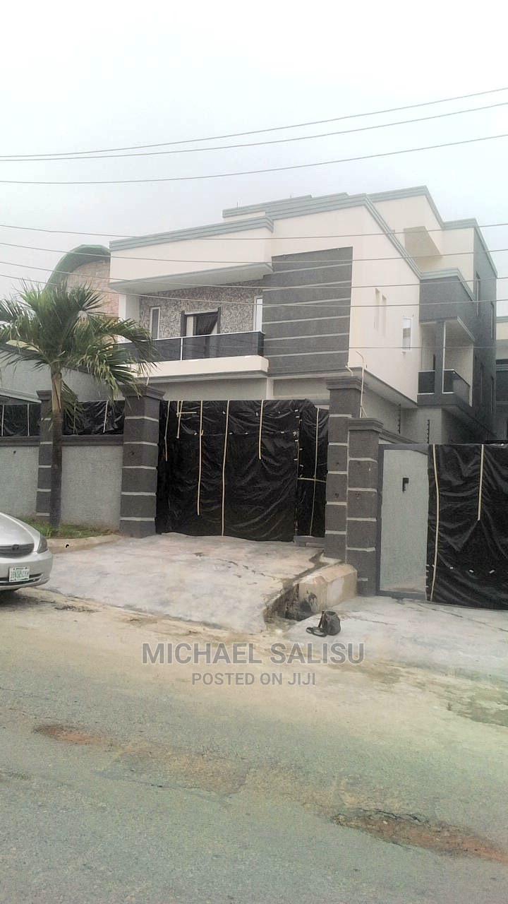 5bdrm Duplex in Magodo Gra 2 for Sale
