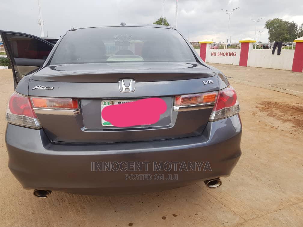 Archive: Honda Accord 2009 Sedan EX-L V6 Automatic Gray