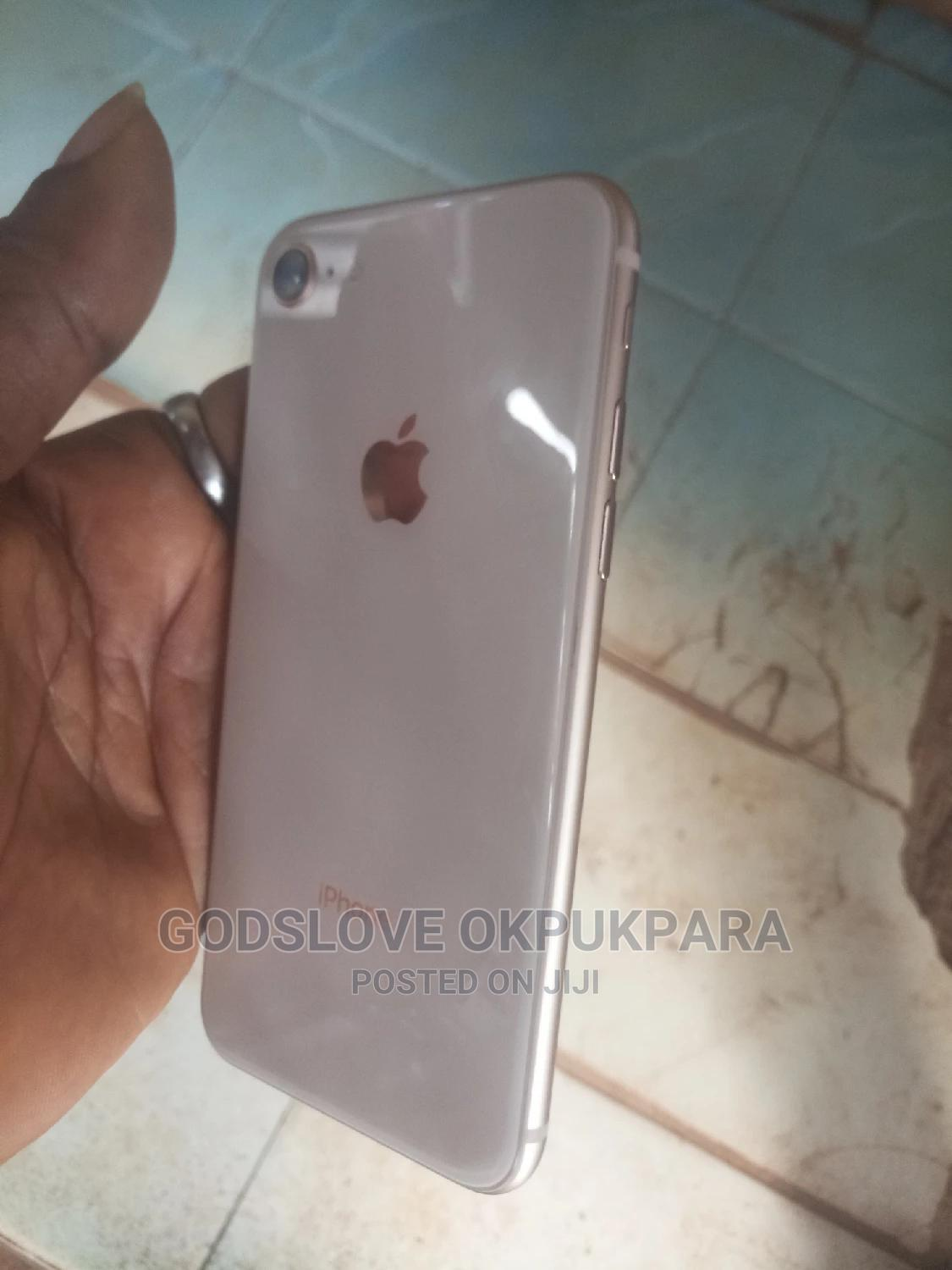 Apple iPhone 8 64 GB Gold   Mobile Phones for sale in Wuse, Abuja (FCT) State, Nigeria