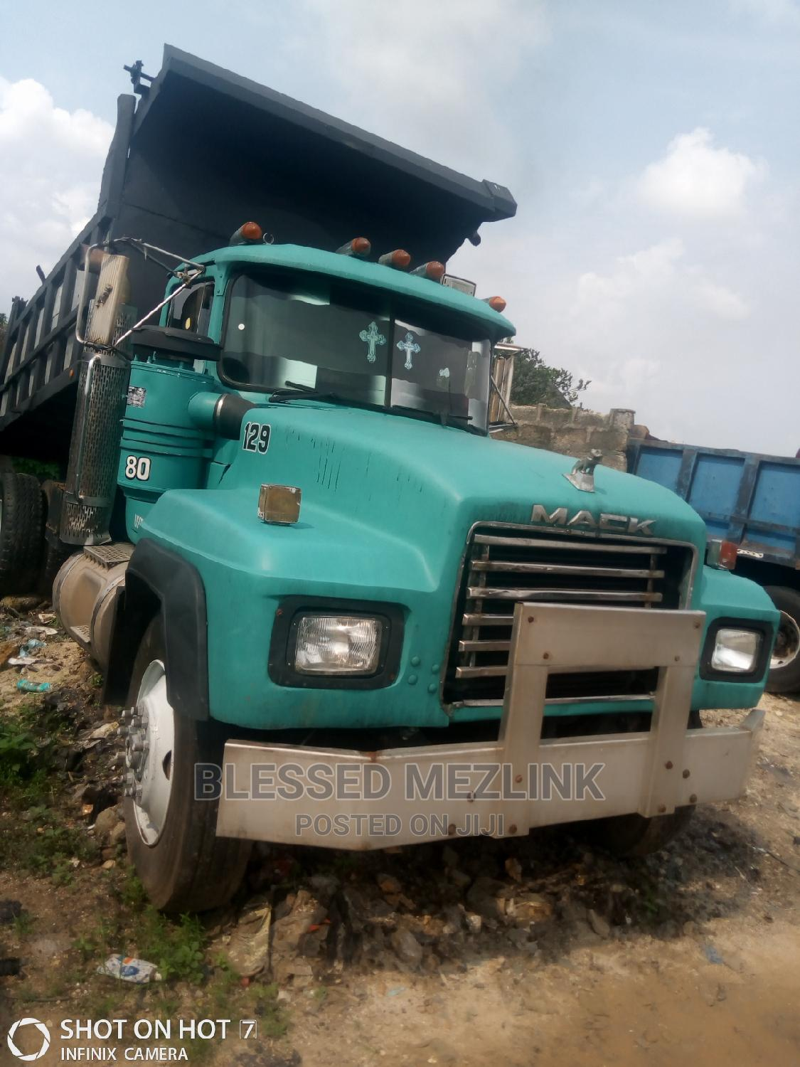 Mack Rd Tipper Normal 24 Valve Engine | Trucks & Trailers for sale in Aba North, Abia State, Nigeria
