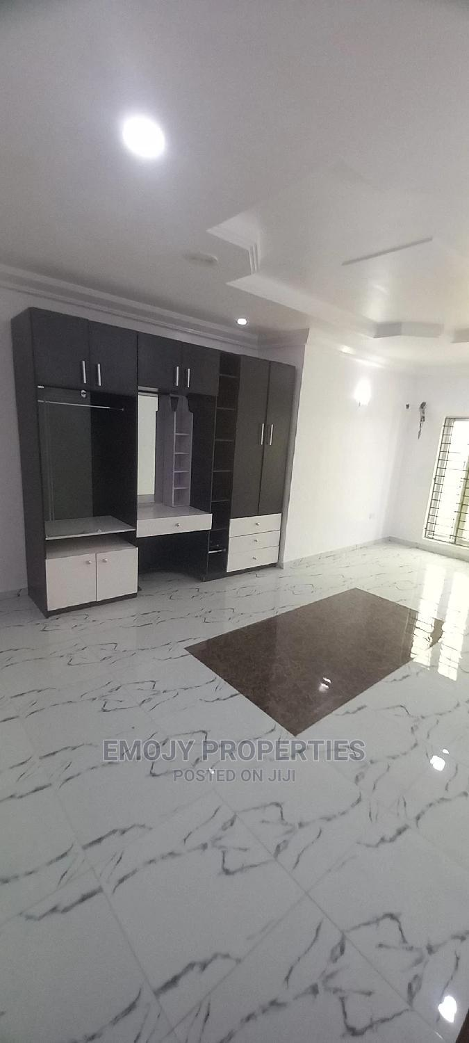 Archive: 2bdrm Apartment in Lekki for Rent