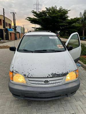 Toyota Sienna 2002 CE White | Cars for sale in Lagos State, Magodo