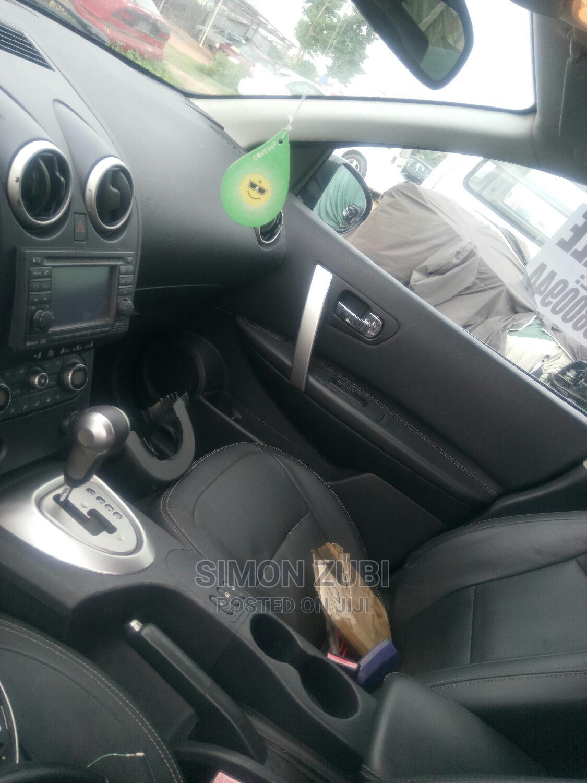 Archive: Nissan Qashqai 2010 1.6 Acenta Black